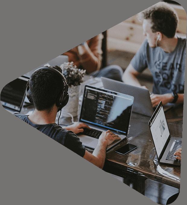Recrutare programatori si specialisti IT